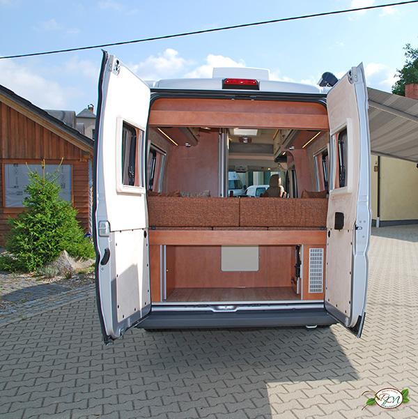 transporter lkw oder bus zum wohnwagen umbauen lassen die reisemobil manufaktur in sohland. Black Bedroom Furniture Sets. Home Design Ideas